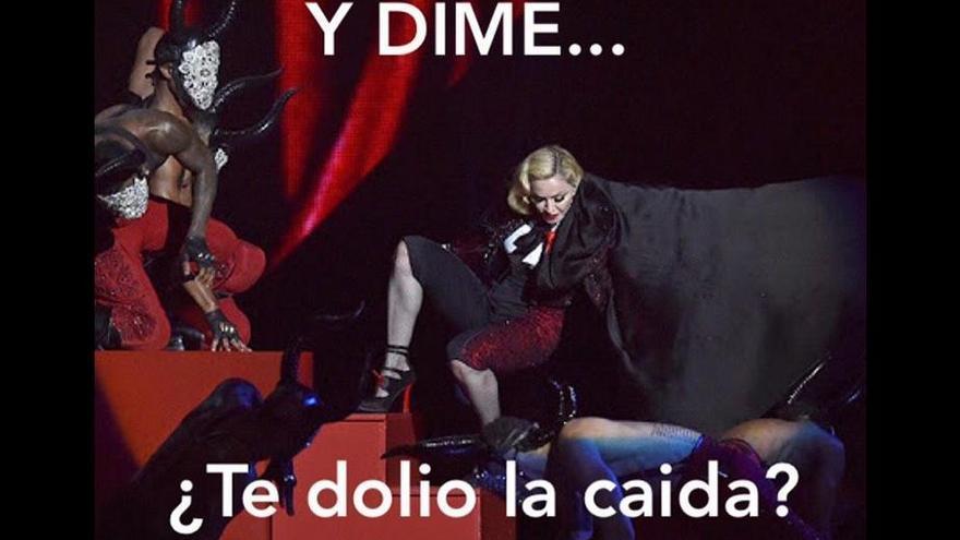 Uno de los memes de la caída de Madonna. Twitter