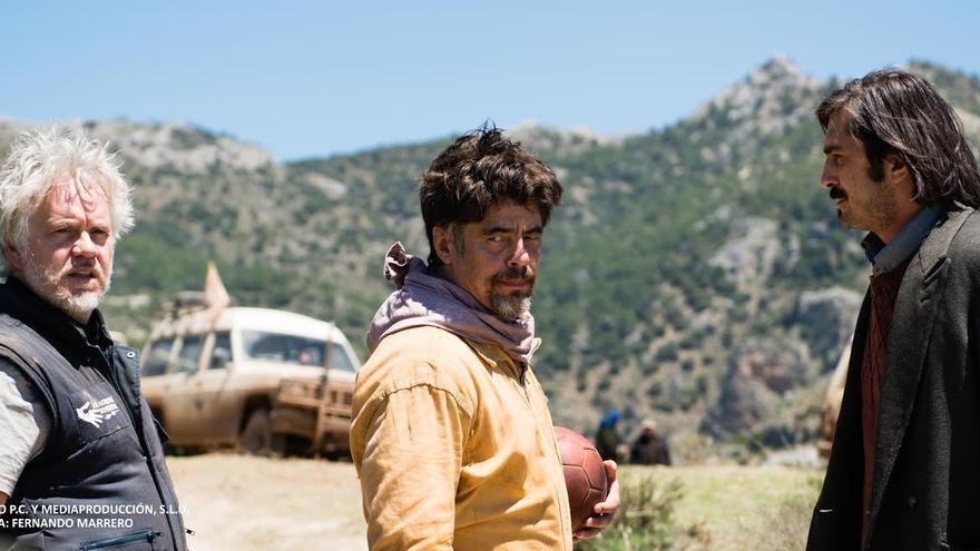Tim Robbins y Benicio del Toro forman parte del elenco de 'Un día Perfecto'.