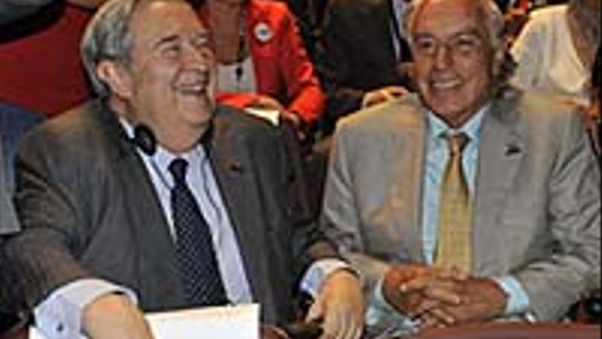 Jerónimo Saavedra junto a Manuel Medina.