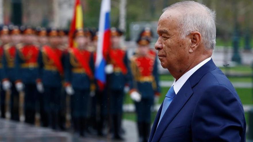Abren en Uzbekistán los colegios electorales para los comicios presidenciales