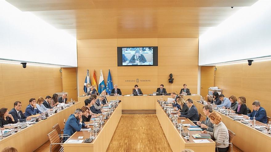 Pleno extraordinario de este lunes, en el que salieron adelante las cuentas propuestas por CC y PSOE