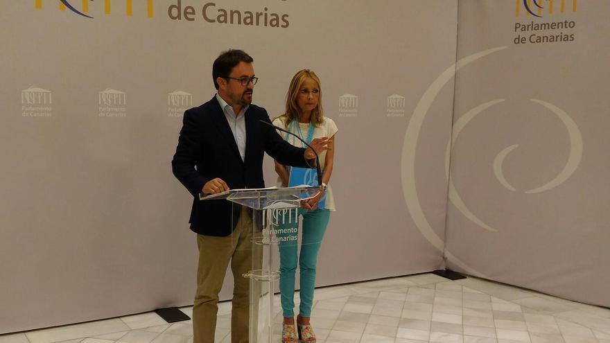 El presidente del PP en Canarias Asier Antona y la diputada María Australia Navarro (@PPparcan)