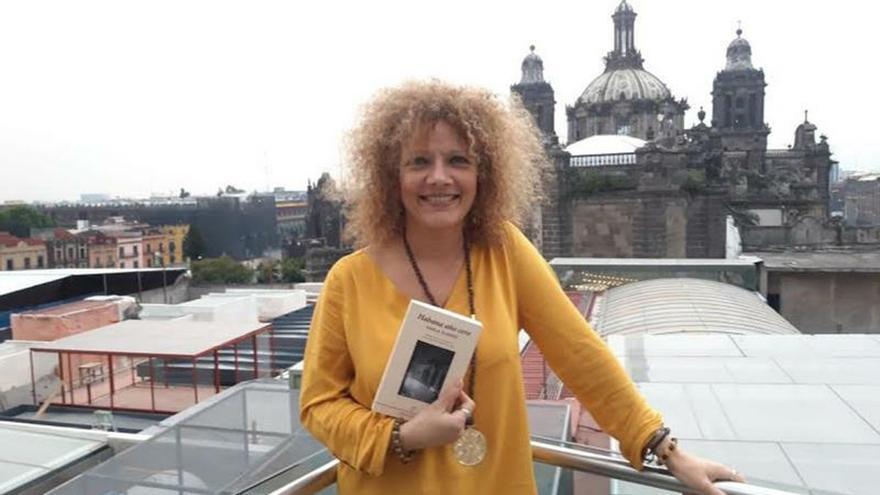La escritora cubana Karla Suárez, durante una entrevista con Efe el sábado 16 de noviembre de 2019, en Ciudad de México (México).