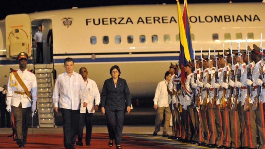 Santos llega a La Habana para agradecer a Cuba y a la Celac su apoyo al diálogo de paz
