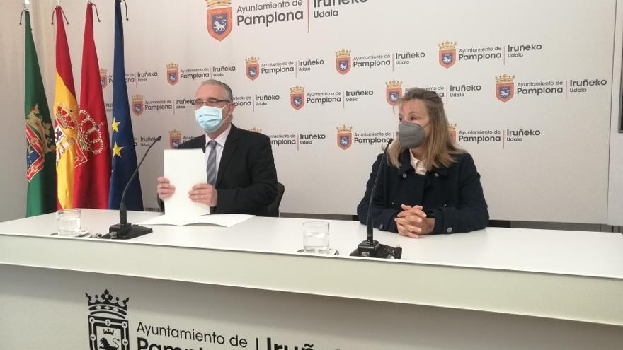 Enrique Maya y Ana Beriáin en la rueda de prensa