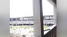 Bangladesh prepara en una isla viviendas que parecen prisiones para reubicar a los rohingyas