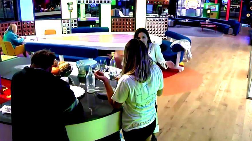 Plátano volador en una fuerte discusión de Alyson y Aylén en GH VIP