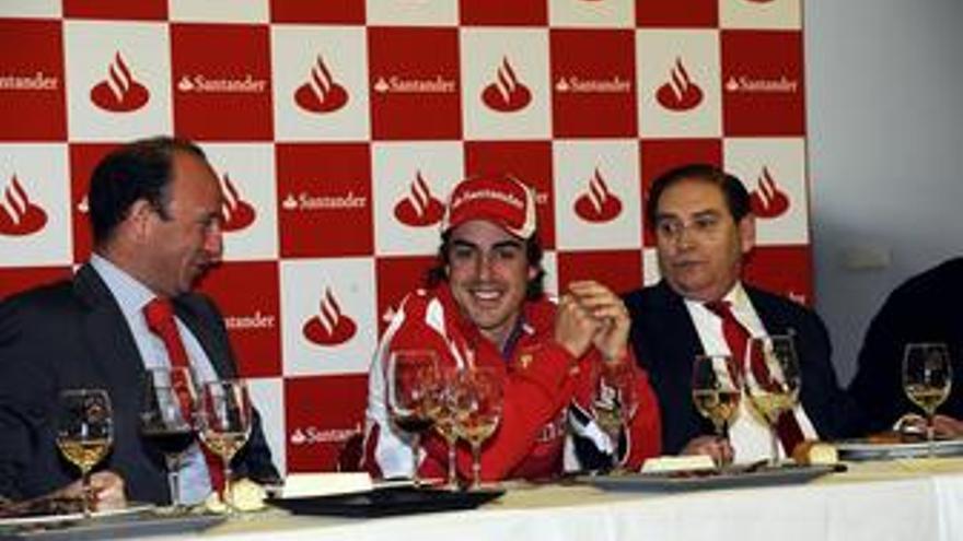 José Manuel Cendoya, Fernando Alonso y Carlos Gracia. (EUROPA PRESS