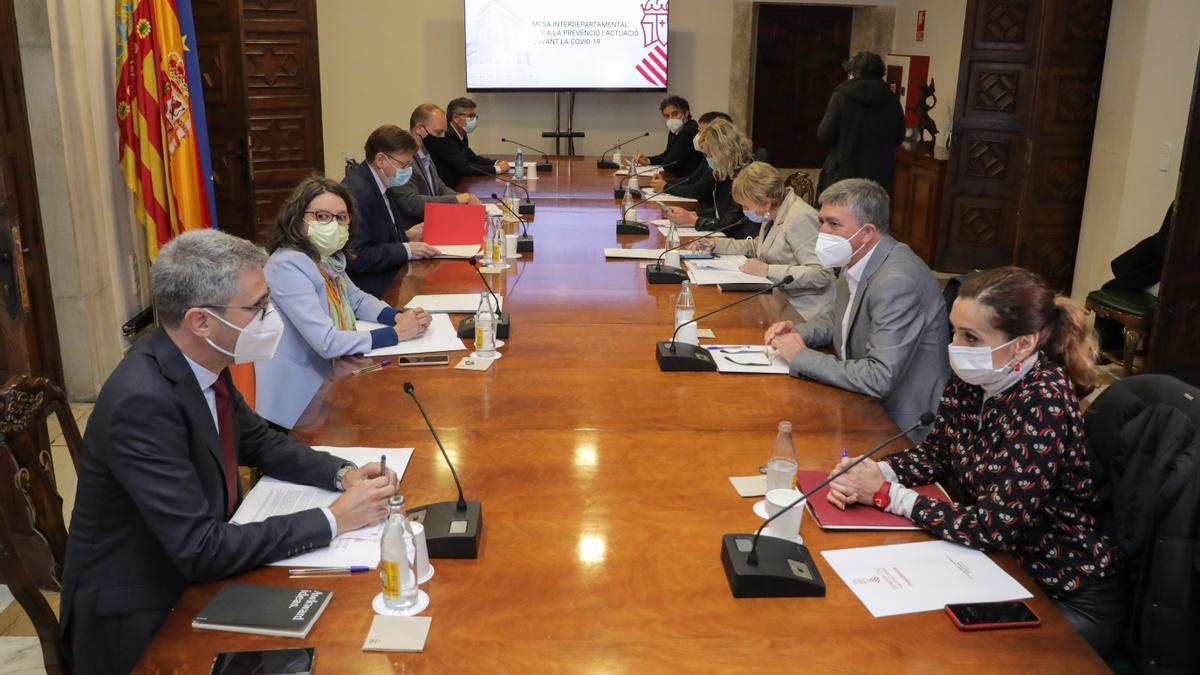 Reunión de la mesa interdepartamental, en una imagen de archivo..