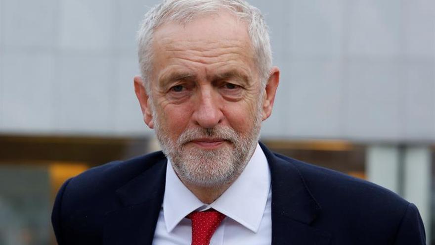"""Corbyn acusa al Gobierno de """"caos y confusión"""" sobre el """"brexit"""""""