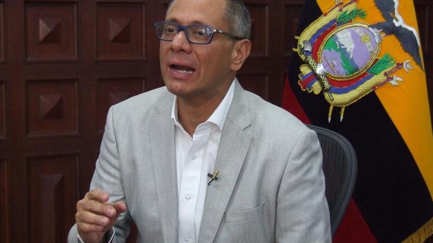 El vicepresidente de Ecuador, agobiado por las denuncias, no dimitirá ni huirá del país