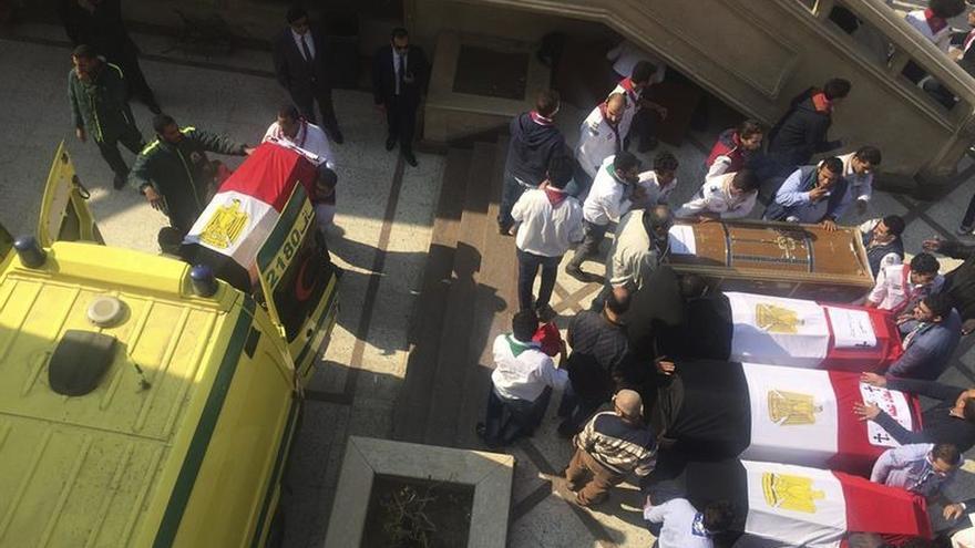 El presidente egipcio asegura que el atentado contra la iglesia copta fue obra de un suicida