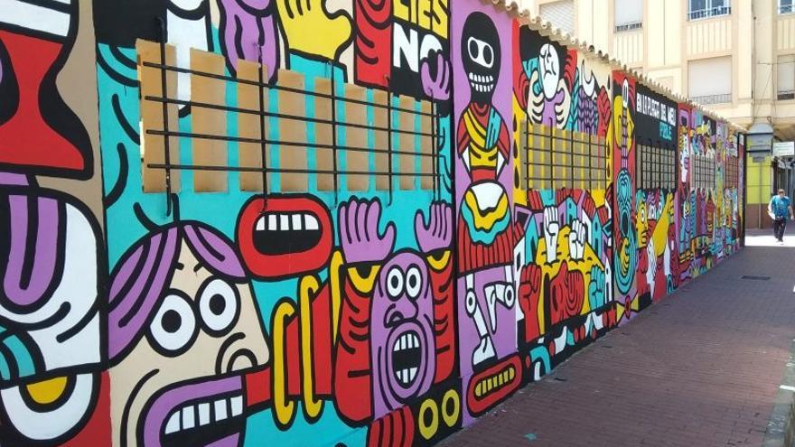 Imagen del mural de Elías Taño pintado sobre las paredes del mercado municipal de Sagunt