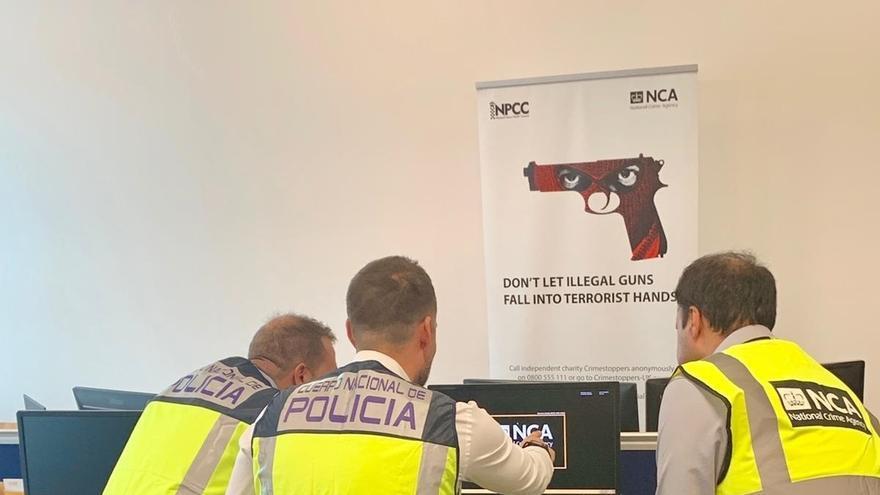 La Policía colabora en un operativo en Reino Unido contra la importación de armas de fogueo manipuladas para fuego real