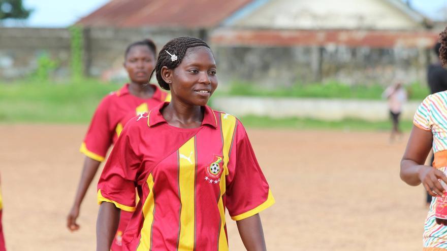 Edith Massah Koroma, coordinadora del equipo de chicas del Kenema Ebola Survivors FC. / Foto: Nadia Wauquier.