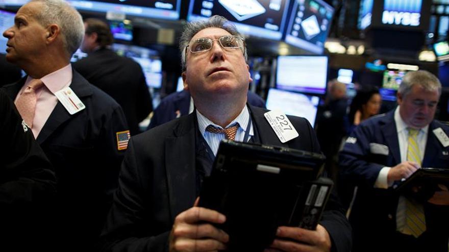 Wall Street abre con fuertes ganancias y el Dow Jones sube un 1,01 %