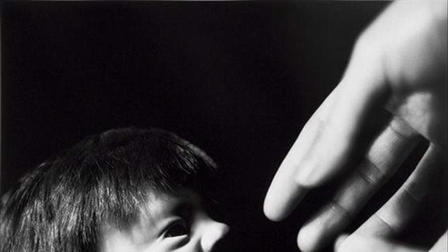 La artista Liu Xia expone en Montjuïc sus fotografías vetadas en China