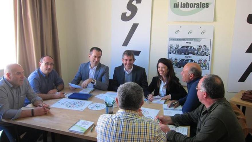 Ruano y Clavijo, en una reunión con representantes del sindicato CSIF (EUROPA PRESS)