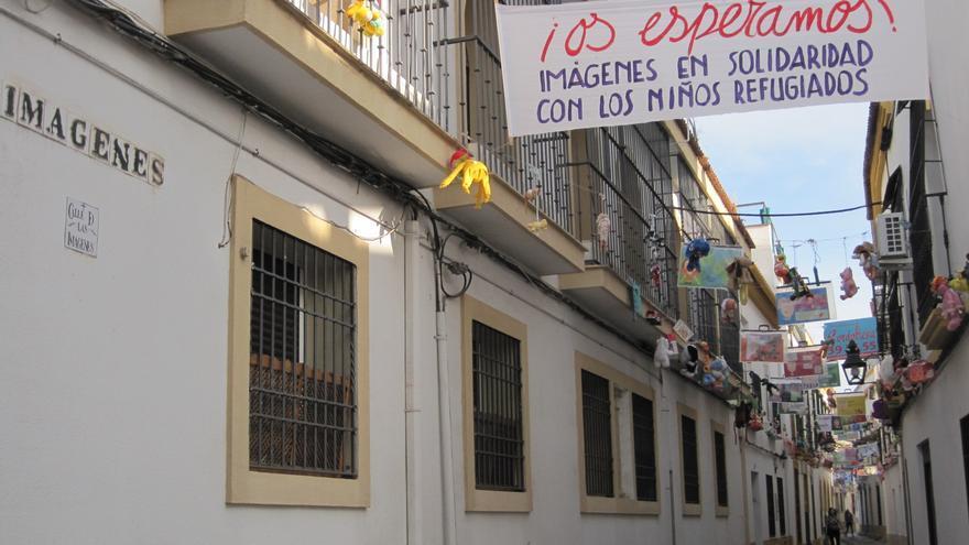 La calle Imágenes se convierte en galería artística de expresión social.