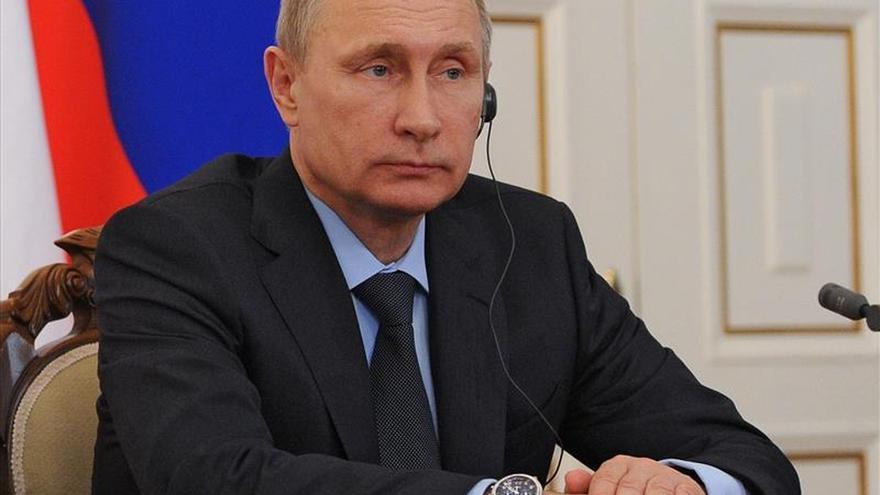 """Putin promete a la madre de Nemtsov que """"se hará todo"""" por castigar a los asesinos"""