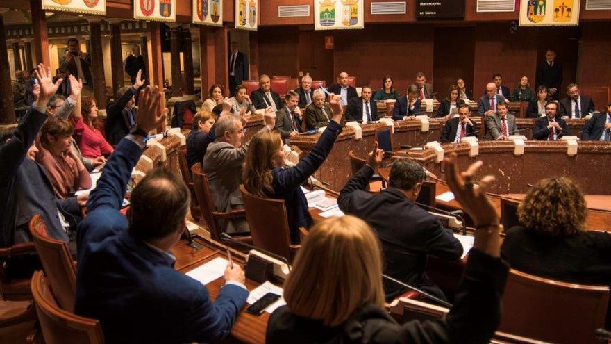 Pleno de la Asamblea Regional para aprobar las enmiendas al decreto ley de medidas urgentes del Mar Menor/ CARLOS TRENOR