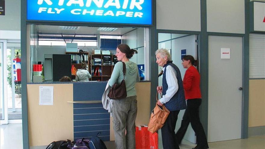 Los trabajadores de Tierra de Ryanair en Madrid inician el sábado un paro indefinido