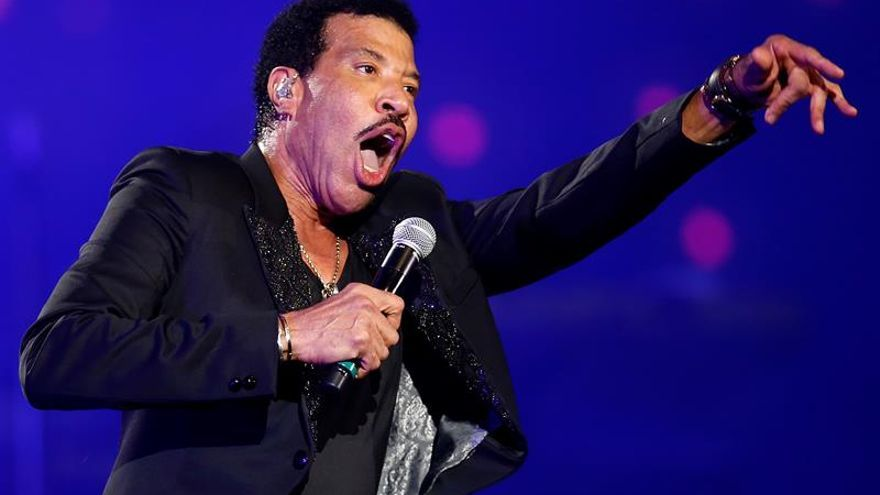 Lionel Richie se suma a larga lista de estrellas que han iluminado Viña
