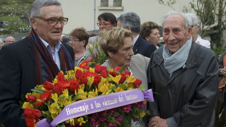 José Alcubierre, en un homenaje realizado a los refugiados españoles que pasaron por los campos franceses de Ruelle y Angulema.
