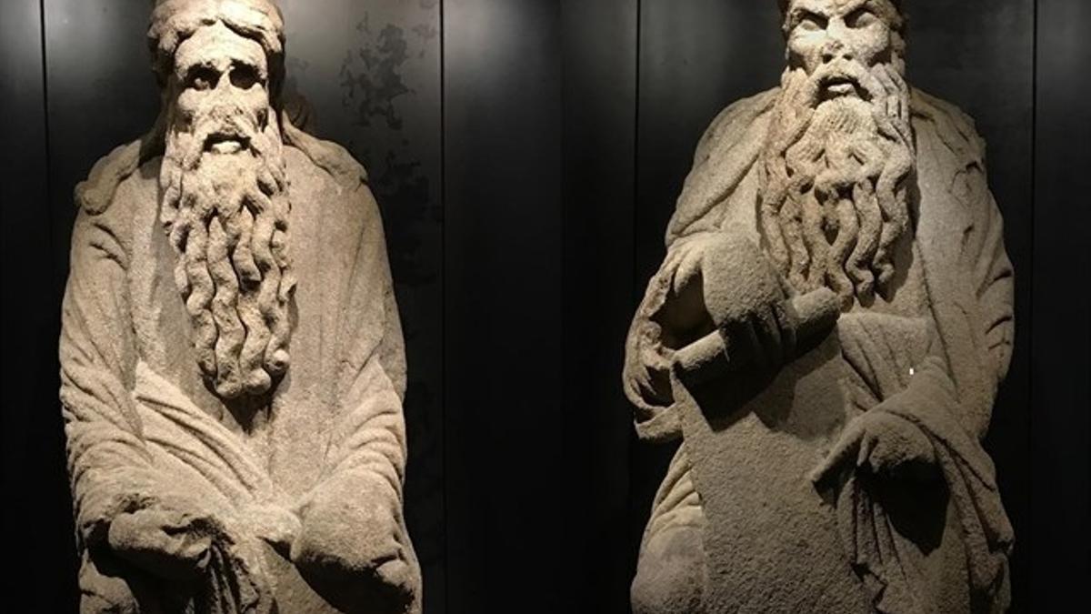 Estatuas de Isaac y Abraham, obras del Mestre Mateo.