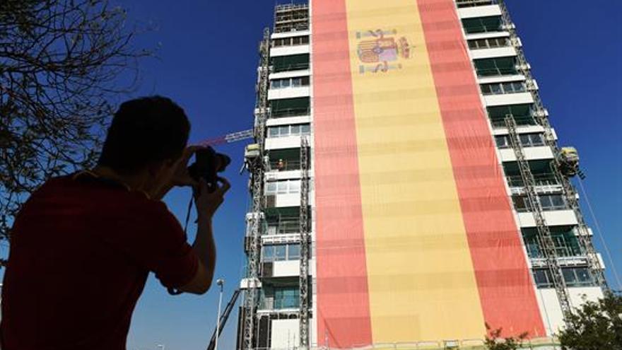 Bandera española gigante en Madrid