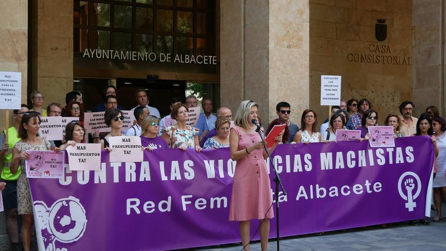 Concentración del 19J a las puertas del Ayuntamiento de Albacete
