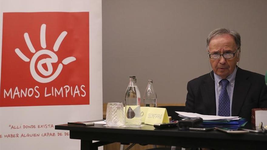 Miguel Bernad acusa a Roca de ofrecer dinero para quitar acusación a infanta