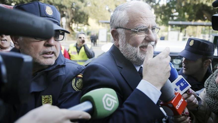 La Fiscalía pide 11 años para Cotino y 40 para exdirector de RTVV por la visita del Papa