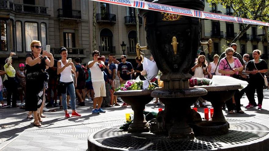 """Entre las 13 víctimas del atentado en las Ramblas, hay """"algunas"""" españolas"""