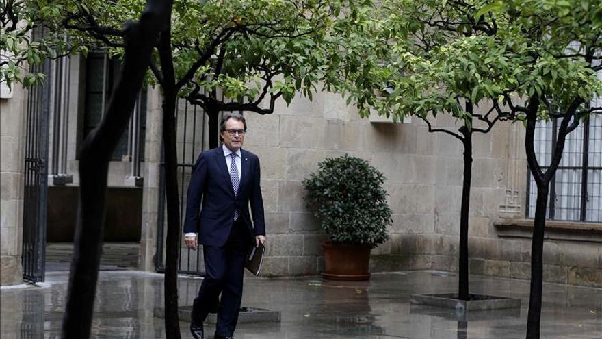 """Mas mantiene el 9N y llama a los catalanes a participar """"sin miedo"""""""