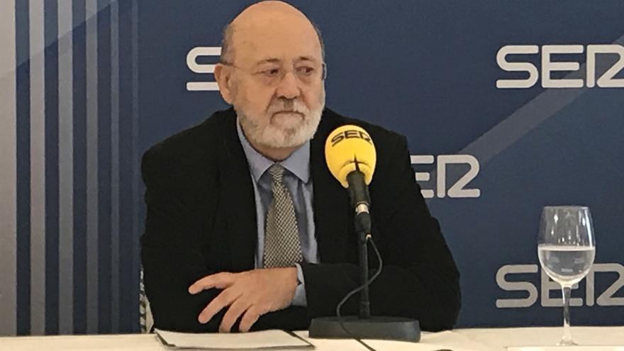 """Tezanos (CIS) considera una """"vergüenza"""" que se hable de """"cocina"""" en la encuesta electoral de Andalucía"""
