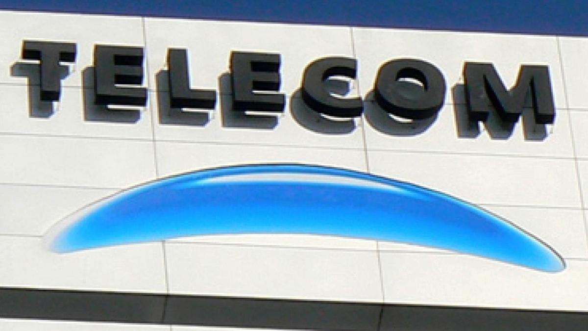Enacom irá a la Corte contra cautelar a favor de Telecom