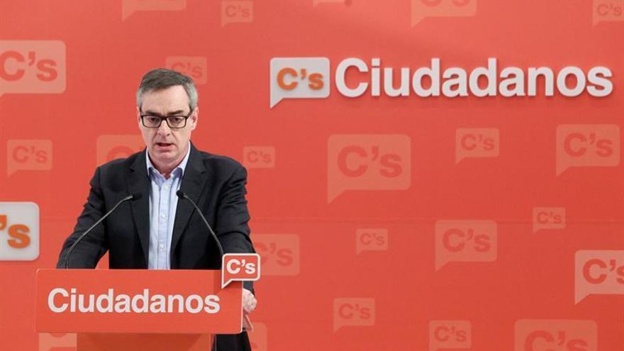 Ciudadanos insta a PSOE y PP a reunirse para buscar un acuerdo de gobierno