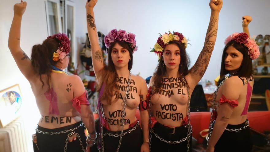 Cuatro activistas de FEMEN se preparan en un piso para boicotear el acto de Vox en Vistalegre