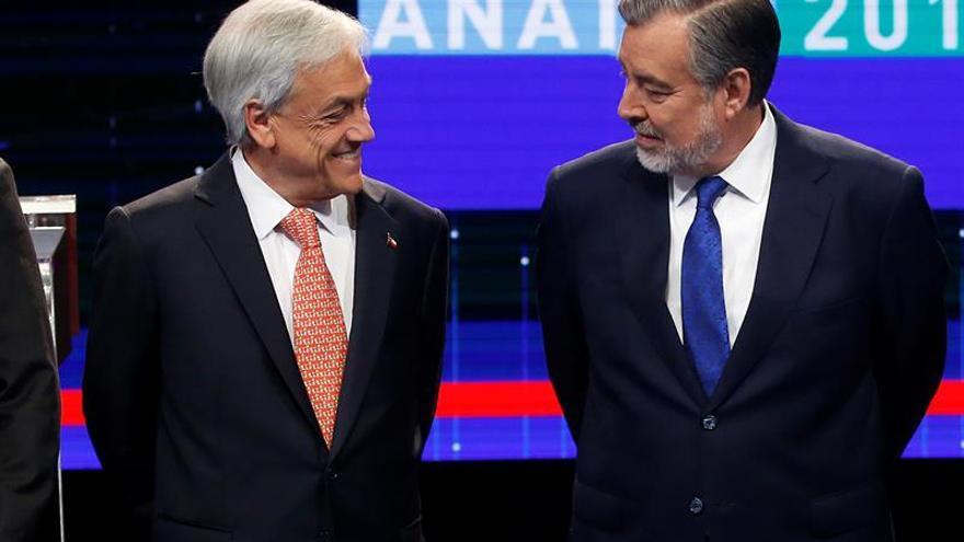 Candidatos presidenciales chilenos se enfrentan en el Debate ANATEL 2017