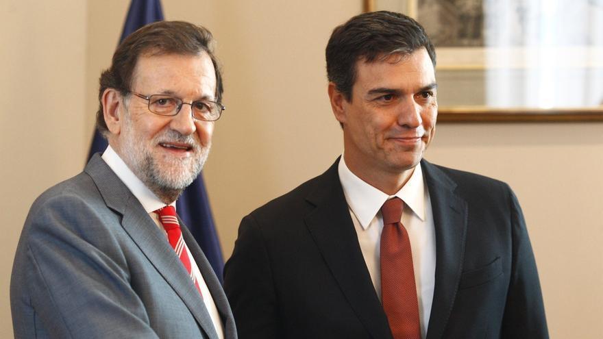 Rajoy, premiado como mejor orador del Parlamento 2016 y Pedro Sánchez, como su 'azote'