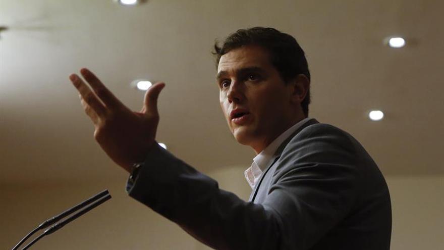 Rivera: Sánchez debe tomar una decisión para España y no sólo para el PSOE