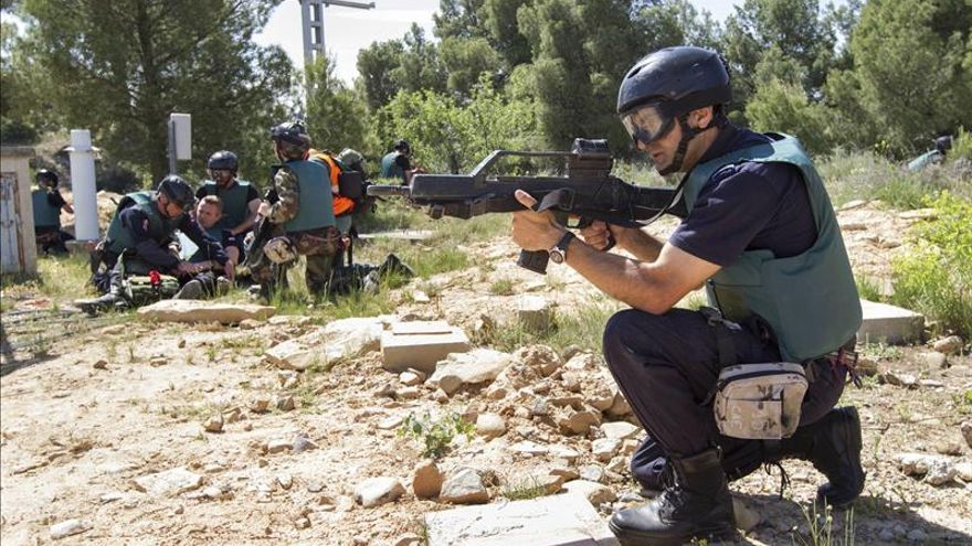 Policías europeas comparten experiencias tácticas en zonas de conflicto