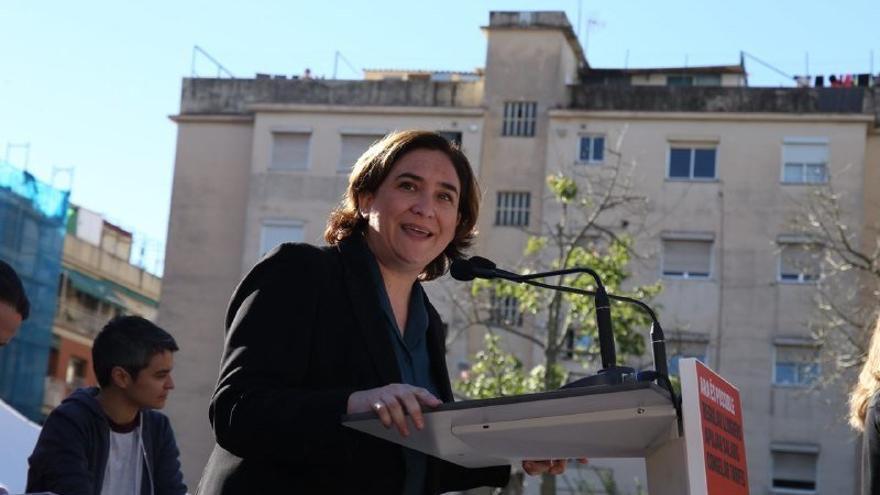 """Colau pide a PDeCAT y ERC apoyar los PGE: """"La gente trabajadora no tiene la culpa de la represión del PP"""""""