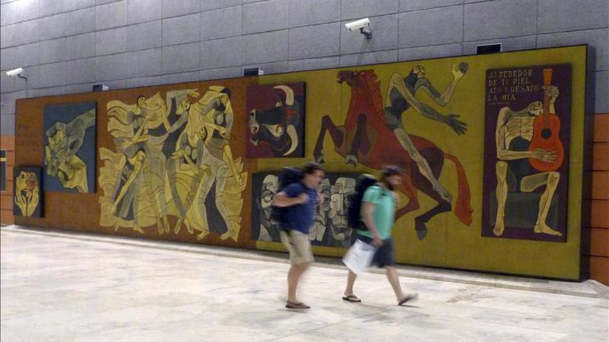 Colocar n un mural del pintor ecuatoriano oswaldo for Mural nuestra carne