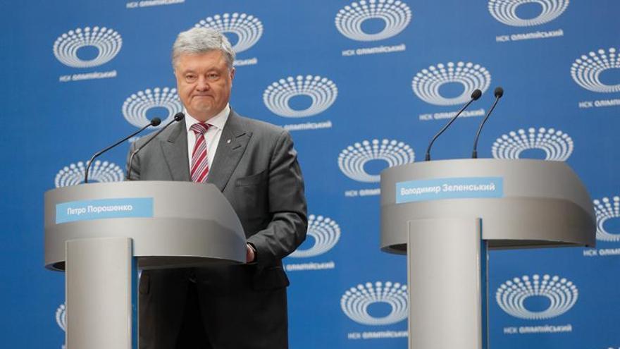 Poroshenko llega al estadio Olímpico para el debate con Zelenski