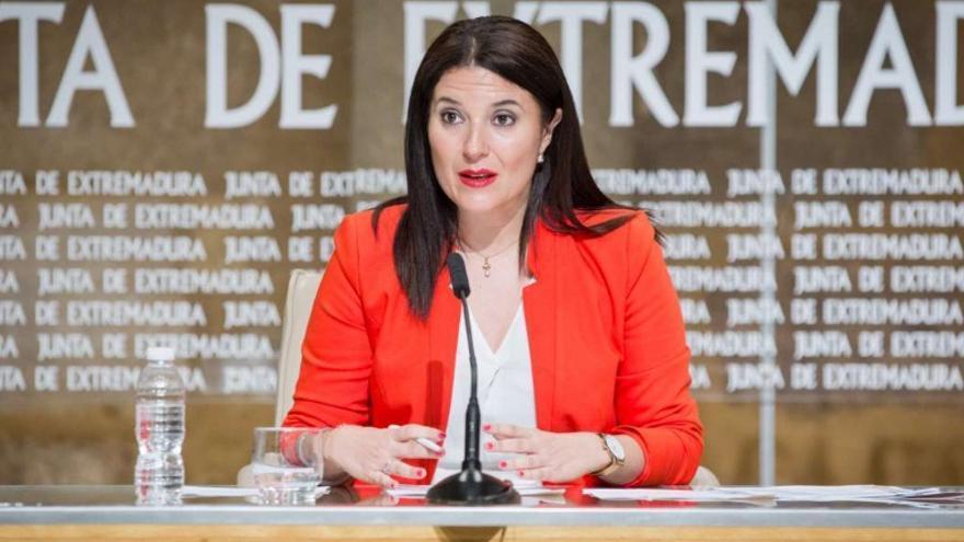 La directora general de Acción Exterior, Rosa Balas, en rueda de prensa