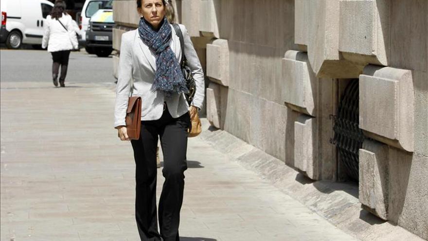 La mujer de Oriol Pujol admite que cobró 200.000 euros por una asesoría