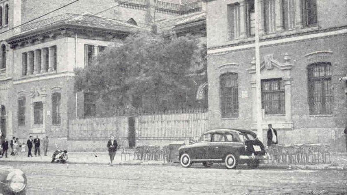 Fachada del Colegio del Pilar, en la calle Bravo Murillo, que estuvo abierto de 1914 a 1972