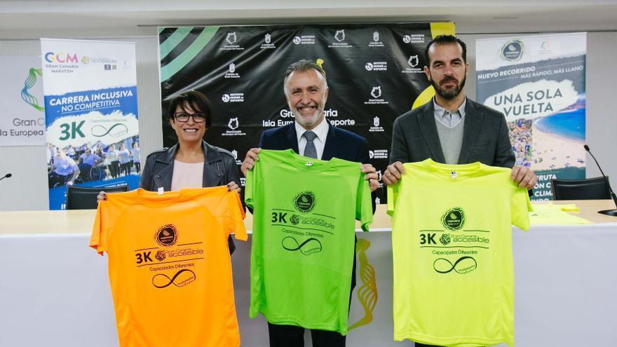 El consejero insular de Deportes, Ángel Víctor Torres, la consejera de Políticas Sociales y Accesibilidad, Elena Máñez y el gerente de la UTE organizadora del evento, Francisco Armas.